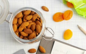 4.almonds-and-dried-apricots